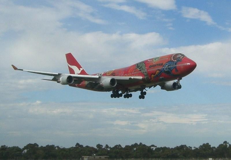 plane-qantas-b747-web
