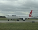 plane-qantas-b767